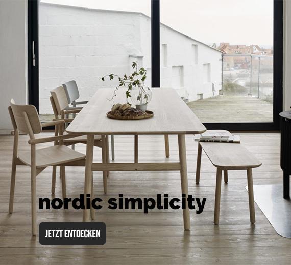 Skandinavisches Wohndesign präsentiert sich in ruhigen Farben, geraden Linien und zeitloser Schönheit. Nordische Gemütlichkeit für Ihren Lieblingsort.